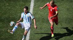 Fernando Gago.. Argentina 1 Suiza 0 .......... Gol de Di Maria..... en tiempo suplementario..... 1 julio de 2014.. octavos de final..  Estadio Arena Corinthias ... San Pablo.. Brasil.