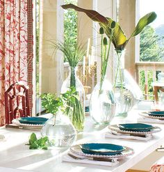 no need for expensive flowers, grab some leaves. #tablescapes, #centerpieces