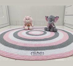 bd015c4d08 Tapete cinza rosa bebê e branco