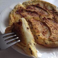 omlet z jabkiem Healthy Sweets, Healthy Recipes, Healthy Food, Food Photo, French Toast, Good Food, Lunch Box, Brunch, Vegan