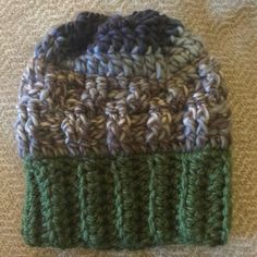 Such fun combining colors and texture. Kids size texture slouch beanie!