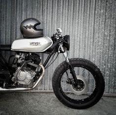 Source : oldschoolbikes Hot Rod Rat Rod Chopper Bobber Cafe Racer Kustom Kulture vintage classic babes