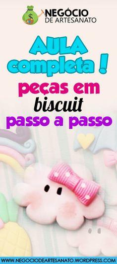 AULA GRATUITA DE BISCUIT PASSO A PASSO. CLIQUE NO PIN E VEJA O VÍDEO DE COMO FAZER 4 APLIQUES LINDOS PARA LAÇOS DE BISCUIT. apliques biscuit laços, apliques de biscuit pra laços, apliques de biscuit chuva de amor, biscuit passo a passo, biscuit artesanato, biscuit personagens #apliques #apliquesparalaços #apliquesbiscuit #apliquebiscuitlaços #biscuitpassoapasso #biscuit #biscuitartesanato #biscuitaplique #apliquesdebiscuitpralaços #biscuitnuvem #biscuitfofinhos #passoapasso #artesanato Biscuits, Polymer Clay, Cold Porcelain Ornaments, Craft Business, Easy Crafts, Appliques, Cold Porcelain, Miniatures, Tutorials
