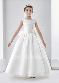 d10c8e1ba by JILBERT Sleeveless Jewel Neck Ball Gown Organza First Communion Dress  with Lace and Beading -