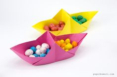 Learn how to fold some pretty origami baskets in the shape of boats! These two sectioned origami containers are perfect o serve snacks or display items in your home. This origami tray is made from 1 sheet of paper, no glue required! Boat Snacks, Origami Boat, Tyres Recycle, Kawaii, Kids Church, Paper Folding, Japanese Art, Recycling, Paper Crafts
