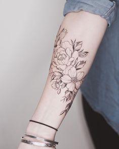 Tattoos love this line of light - artists work - you love this line d . - Tattoos love this line of light - artists work - you love this line of bright elaboration - # line Girly Tattoos, Pretty Tattoos, Love Tattoos, Beautiful Tattoos, Body Art Tattoos, Small Tattoos, Tattoos For Women, Tatoos, Forearm Flower Tattoo
