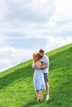 Discover the best Italy honeymoon itinerary with the help of a local! This useful travel guide includes a lot of tips on visiting Italy with your partner, packing info for Italy and much more! Romantic Destinations, Romantic Travel, Travel Destinations, Italy Honeymoon, Visit Italy, Cinque Terre, Pompeii, Amalfi Coast, Travel Couple