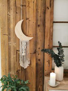 100% Handmade Mond aus Holz mit Makramee aus Baumwollseilen #crescentmoon #moon #mond #makramee
