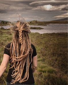 Partial Dreads with braided loose hair – Once I add another row (or two?) then … Partial Dreads with braided loose hair – Once I add another row (or two? Hippie Dreads, Dreads Girl, Hippie Hair, Hippie Makeup, Dread Braids, Loose Braids, Box Braids, Half Dreads, Partial Dreads