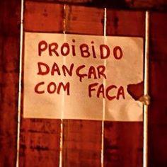 """<b>Calma aê, feras.</b> Compilação feita a partir dos seguidores de <a href=""""http://go.redirectingat.com?id=74679X1524629&sref=https%3A%2F%2Fwww.buzzfeed.com%2Fclarissapassos%2Fo-mito-do-brasileiro-cordial&url=https%3A%2F%2Ftwitter.com%2Fjose_simao&xcust=3612547%7CBFLITE&xs=1"""" target=""""_blank"""">@jose_simao</a>."""