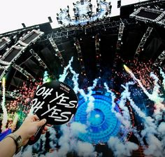 Relive Ultra Music Festival by exploring images from previous editions of the festival. Love Music Festival, Rave Festival, Music Festivals, Edm Music, Dance Music, Ultra Music, Cant Hold Us, Young Wild Free, Electric Daisy Carnival
