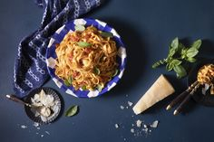 Italian Pasta Dishes, Bakery, Spaghetti, Vegetarian, Ethnic Recipes, Food, Essen, Meals, Yemek