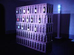 Cantinetta per vino design in cartone ondulato stratificato