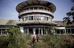Kongo: Palace in Nsele, once home of dictator Mobutu Sese Seko