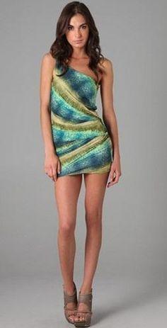 Hermosos vestidos cortos de moda casual elegante 2012  http://vestidoparafiesta.com/hermosos-vestidos-cortos-de-moda-casual-elegante-2012/