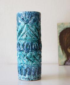 Bekijk dit items in mijn Etsy shop https://www.etsy.com/nl/listing/533237507/italy-embossed-vase-turquoiseblue