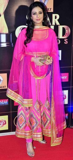 Tabu in a pink-golden anarkali at the Star Guild Awards 2015. #Bollywood #Fashion #Style #Beauty