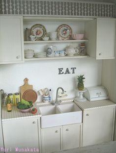 1:12th scale dollhouse kitchen by Yuri Munakata
