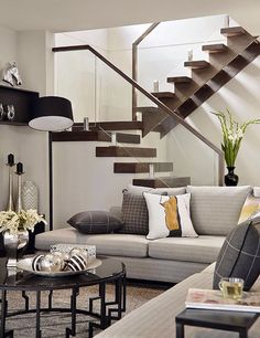 Australian home building company Carlisle Homes recently completed Sorrento Residence, a modern house located in Melbourne, Australia. Interior Stair Railing, Staircase Railings, Staircase Design, Open Staircase, Floating Staircase, Bannister, Railing Design, Deck Railings, Stair Treads