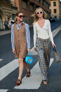 Stockholm Fashion Week S/S 2019 - The Style Stalker - Street Style by Szymon Brzóska Plaid Outfits, Casual Dress Outfits, Mode Outfits, Plaid Dress, Tartan Pants, Swag Dress, Stylish Outfits, Fashion Mode, 70s Fashion