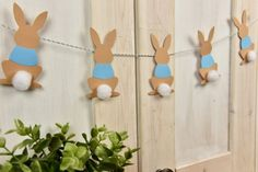 These 18 Adorable Peter Rabbit Party Ideas will have you planning the most memorable party. Get ideas for Peter Rabbit cakes, decorations, favors, and more. Peter Rabbit Balloons, Peter Rabbit Cake, Peter Rabbit Birthday, Peter Rabbit Party, Bunny Birthday, 1st Boy Birthday, Birthday Ideas, Bunny Party, Easter Party