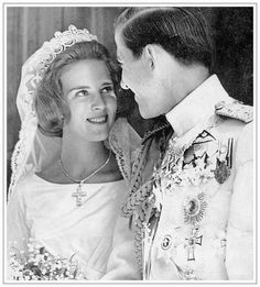Next, the Khedive of Egypt tiara, worn by Princess Anne-Marie of Denmark when she wed King Constantine II of Greece on 18 September All royal ladies descended from Queen Ingrid of Denmark, nee Sweden, have worn it as a wedding tiara Royal Tiaras, Royal Jewels, Tiaras And Crowns, Greek Royalty, Danish Royalty, Constantine Ii Of Greece, Adele, Anne Maria, Greek Royal Family
