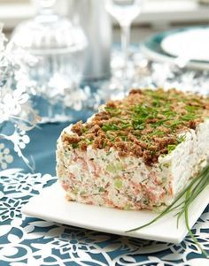 Ruispintainen lohi-kurkkuhyytelö Seafood Dishes, Fish And Seafood, Seafood Recipes, Finnish Recipes, Food Porn, Savory Snacks, Ketogenic Recipes, Love Food, High Tea