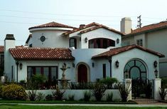 I love this house spanish-craftsman by papa soji on Flickr. East Ocean Blvd, Long Beach CA.