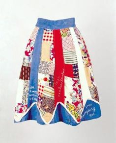 Nationale feestrok, knielange rok van verschillende opgenaaide lapjes   Modemuze