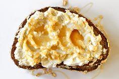 Ricotta and Honey Sandwich #honey #ricotta #simpledessert #sandwichrecipes
