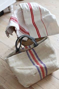 Best 12 European grain sack bag and market tote Linen Towels, Linen Bag, Dish Towels, Tea Towels, My Bags, Purses And Bags, Coin Purses, Fabric Bags, Handmade Bags