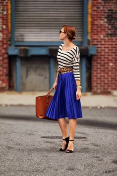 Street Style With Lining And Pleated Blue Skirt