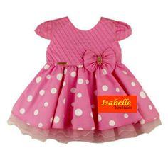 Vestido Infantil Minnie Rosa c/ Laço <br> <br>TAMANHOS===> P / M / G <br> <br>* Vestido infantil <br>*Excelente acabamento <br>*Tecido 75% algodão e 25% Poliester <br>* Após a compra informar o tamanho desejado <br> <br>TABELA APROXIMADA DE MEDIDAS <br> <br>Tam P: Cintura 46 cm---Busto 47 cm--- Comprimento 38 cm <br>Tam M: Cintura 48 cm---Busto 49 cm---Comprimento 44 cm <br>Tam G: Cintura 50 cm---Busto 51 cm--- Comprimento 49 cm