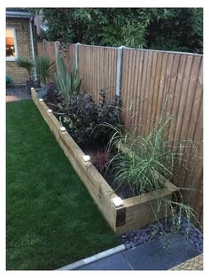 Back Garden Design, Backyard Garden Design, Small Backyard Landscaping, Landscaping Ideas, Backyard Ideas, Fence Ideas, Mulch Landscaping, Patio Ideas, Backyard Drainage