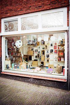 Graphic playground store Arnhem - love the illustrations on the windows!!!