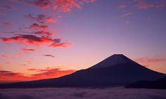 El monte Fuji con 3.776 metros de altitud,1 es el pico más alto de la isla de Honshu y de todo Japón. - AFP.