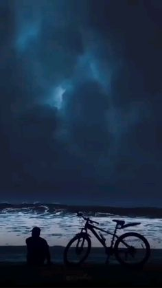 Night Sky Photos, Night Scenery, Aesthetic Photography Nature, Ocean Photography, Wildlife Photography, Cool Pictures Of Nature, Beautiful Photos Of Nature, Skier, Photographie Portrait Inspiration
