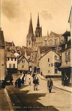 Chartres France 1906 Bourg Street Cathedral Collectible Antique Vintage Postcard Chartres France Circa 1906 Bourg Street and Cathedral. Unused antique vintage postcard in excellent condition. 15619 TE