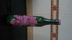 botella pintada con flores