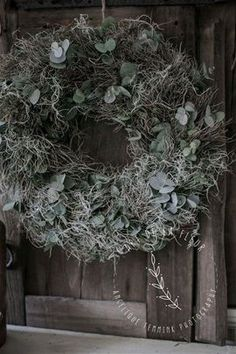 Onderwerp 2 - Mooie zeer lang houdbare krans 45 a 50 cm Meenemen : Niets Kosten : 32.50 Euro
