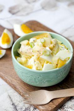 Der leckere und schnelle Eiersalat ist ein tolles Rezept für die ganze Familie. Low Carb, Weight Watchers tauglich und mit leckeren Zutaten, die Kinder lieben.