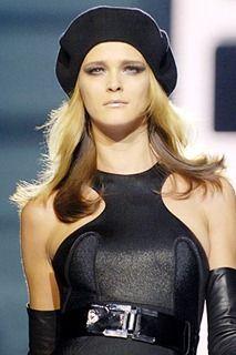 Hablaremos de los distintos tipos y estilos de sombreros para este 2012: Fedoras o sombreros de ala ancha: aquí es muy fácil caer en un...