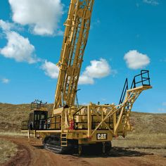 - Blasthole drilling rig / crawler / rotary / hydraulic by Caterpillar Global Mining Caterpillar Toys, Caterpillar Equipment, Mining Equipment, Heavy Equipment, Bucyrus Erie, Engineering Tools, Drilling Rig, Rigs, Tractors