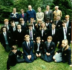 Grange Hill Events - unofficial fan events reuniting the cast and crew of the BBC kids TV show Grange Hill. 1970s Childhood, My Childhood Memories, Vintage Tv, Vintage Music, Bbc Kids, Mr Ben, Kids Tv Shows, Programming For Kids, 80s Music