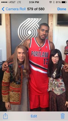 Paul Allen and the Portland Trail Blazers officially announced as Portlandia guest stars