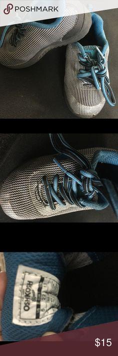 Oshkosh Boy shoes size 6 Used but good condition size 6 OshKosh B'gosh Shoes Sneakers