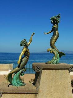 Mermaid statue in Puerto Vallarta, Mexico Mermaid Sculpture, Mermaid Art, Mermaid Statue, Mermaid Salon, Greek Sea, Greek Gods, Two Worlds, Mermaids And Mermen, Puerto Vallarta