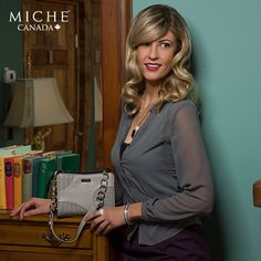 It's Friday night! Petite lovers around the world, brace yourself for this stunning and sophisticated addition to your Miche collection - the beautiful Devanee. *Miche Canada* #michecanada #michefashion #fashion #style #purses #handbags #accessories