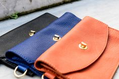 Adora comes in 3 amazing colors with a detachable pouch.  For each color, Adora uses a different kind of leather. Find out more @ adorabags.com/#slider-protagonists #adorabags