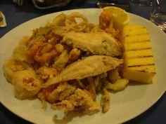 Pesce fritto con polenta (al ristorante)